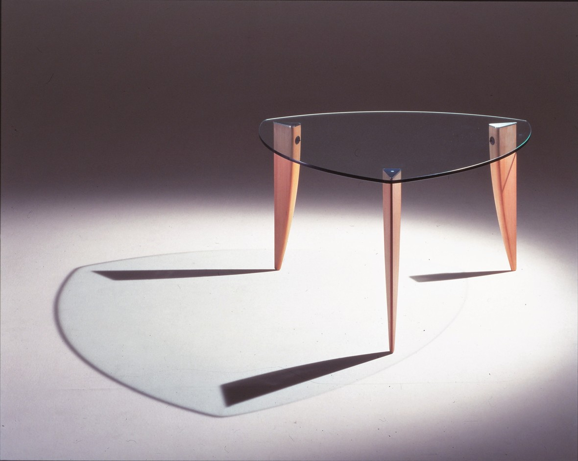 Amadeus glass table