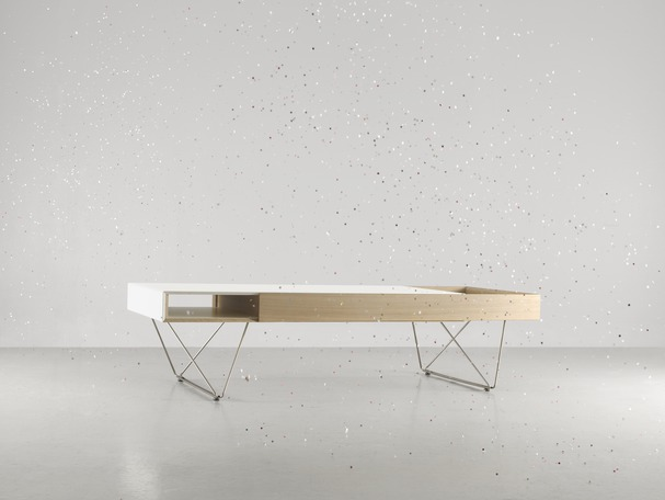 Extending coffee table
