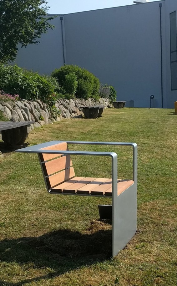 Street Cantilever Chair